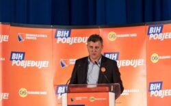 Milavica: Nikšić je tužna ličnost, stoji pred praznim štandovima SDP-a, priča šta mu se kaže s tornja
