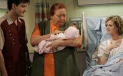 Umrla Berta iz 'Dva i pol muškarca', evo kako se Charlie Sheen oprostio od kolegice